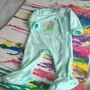 Other - Gymboree Footed pajamas